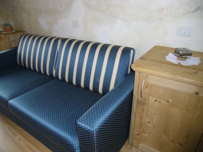 Ciasa val badia 2 sonnen ferienwohnungen alta badia for Kautsch tisch